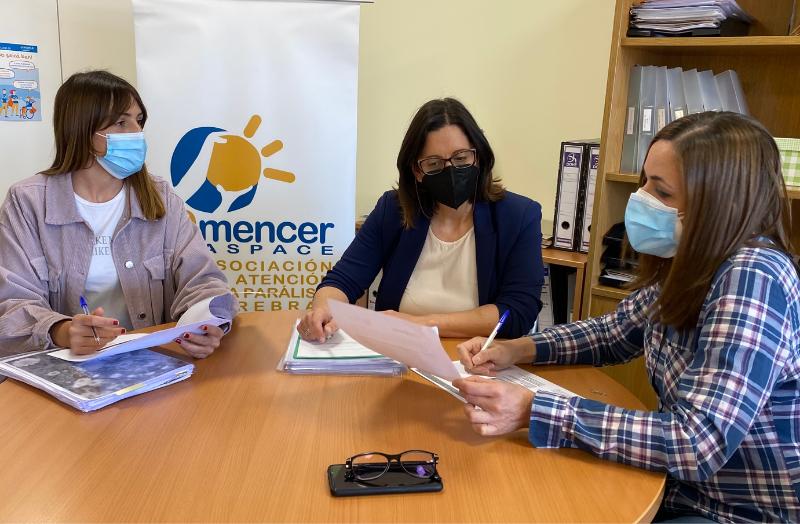 Equipo de profesionales del servicio de atención y apoyo a familias de AMENCER Aspace