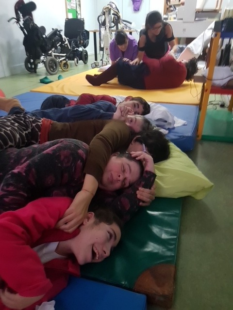 Actividades en el centro de día para personas con parálisis cerebral de la Asociación AMENCER - Aspace