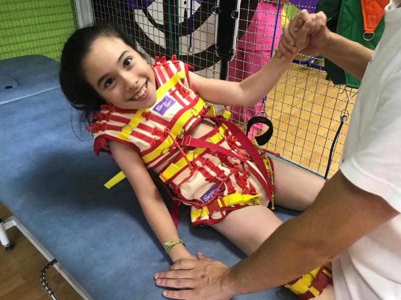 Terapia NIES: Tratamiento intensivo neurorrehabilitado para personas con parálisis cerebral en AMENCER - Aspace